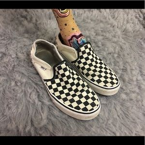 Vans classic black/white checkered pattern shoes